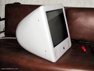eMac - общ вид - страничен