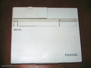Toshiba T1000SE, изглед отгоре